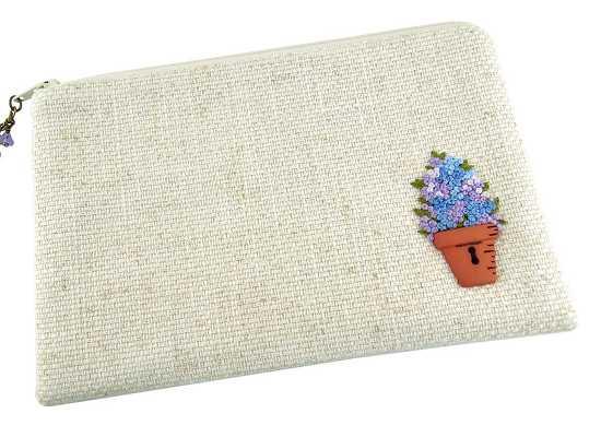 Decoración de bolso sencillo con botón en forma de maceta y flores bordadas