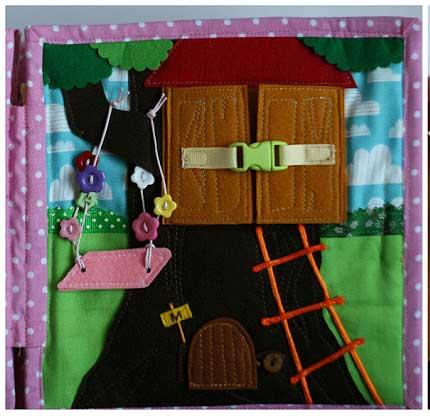 Silent book con diseño de casa del árbol y puertecita