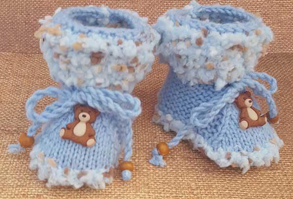 Patucos de bebé con ositos decorativos