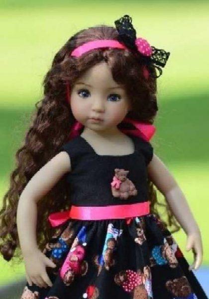 Vestido de muñeca con estampado de ositos y botón decorativo de osito