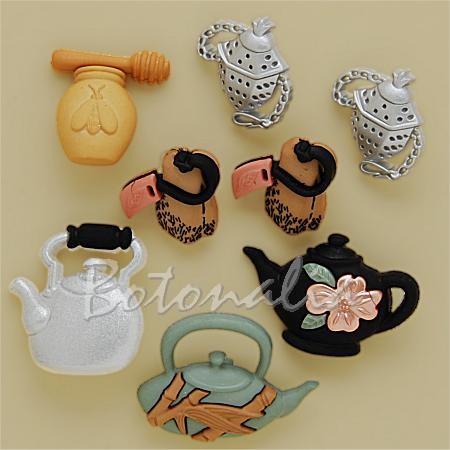 Botones con forma de teteras y otros relacionados con el té