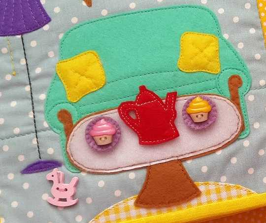 Cupcakes en libro de tela listos para merendar
