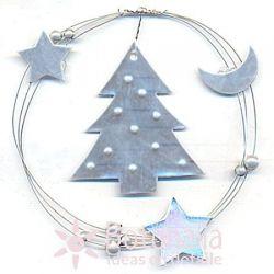 Abeto navideño con planetas, luna y estrellas