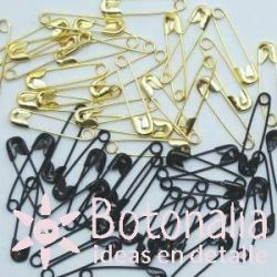 Black and gold safety pins 20 mm