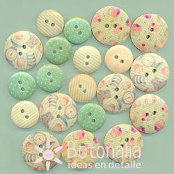 Wooden buttons - Cupcake Boutique