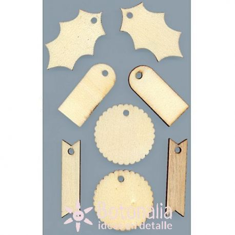 8 wooden labels - Back to Basics Christmas Traditional