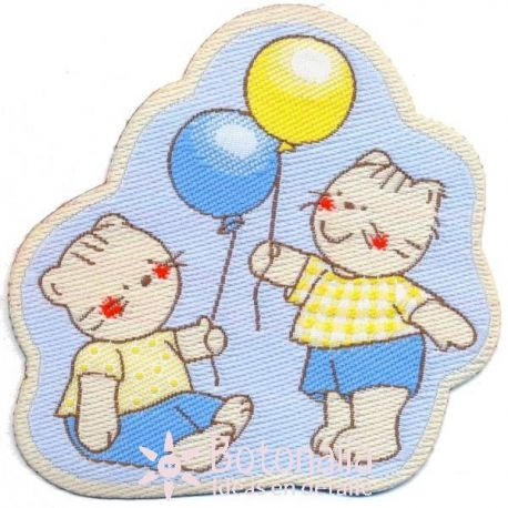 Kitties with balloons