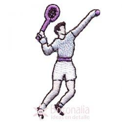 Hombre jugando al tenis 1