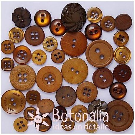 Botones en tonos marrones