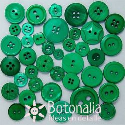 Buttons in shades of green