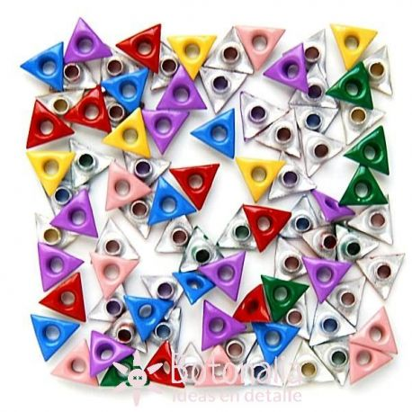 Eyelets triangle