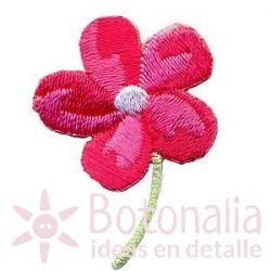 Flor en rosa intenso
