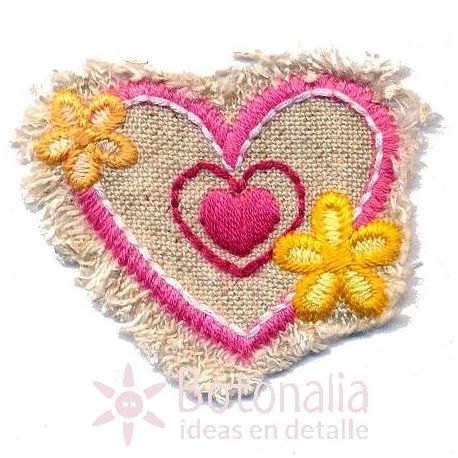 Corazón con flores.