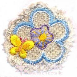 Flor y mariposa.
