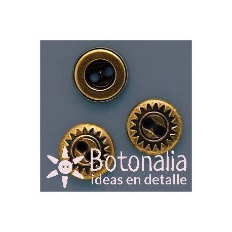 Button in a golden color 11 mm