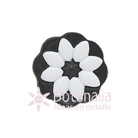 Black flower with details in white