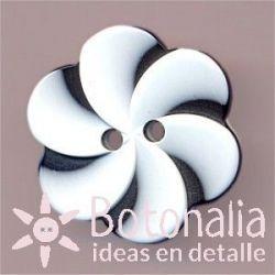 Button in white swirl 22 mm