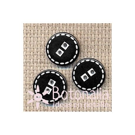 Button in black with stitched decoration in white 17 mm