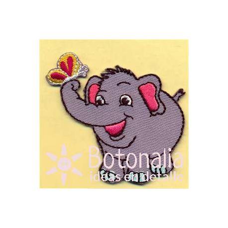 Elefantito con mariposa