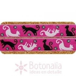 Cinta Playful Cats on Pink