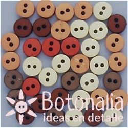 Tiny buttons - Natural shades
