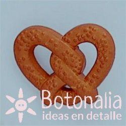 Button pretzel
